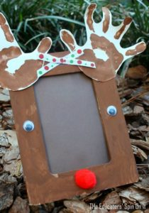 Reindeer handprint photo frame for a Handmade Gift Idea