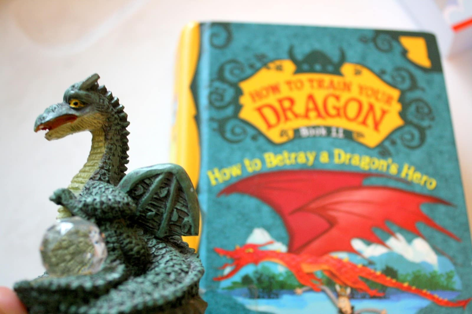 How to Train Your Dragon Chapter Book and Activity Package