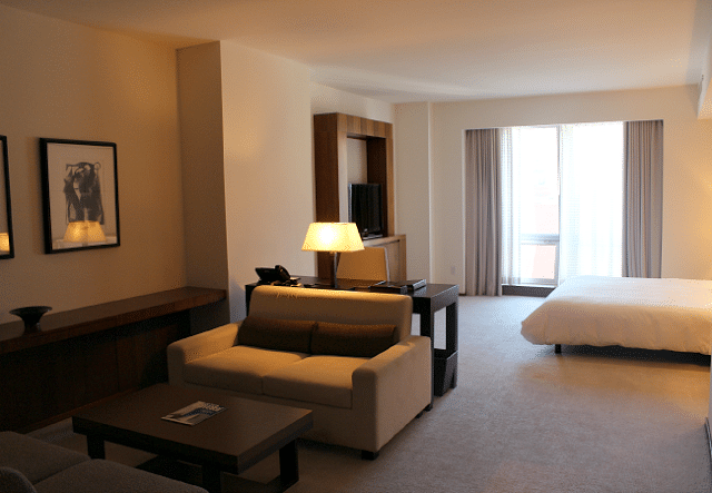 Family Review of Langham Place on Fifth Avenue in New York City
