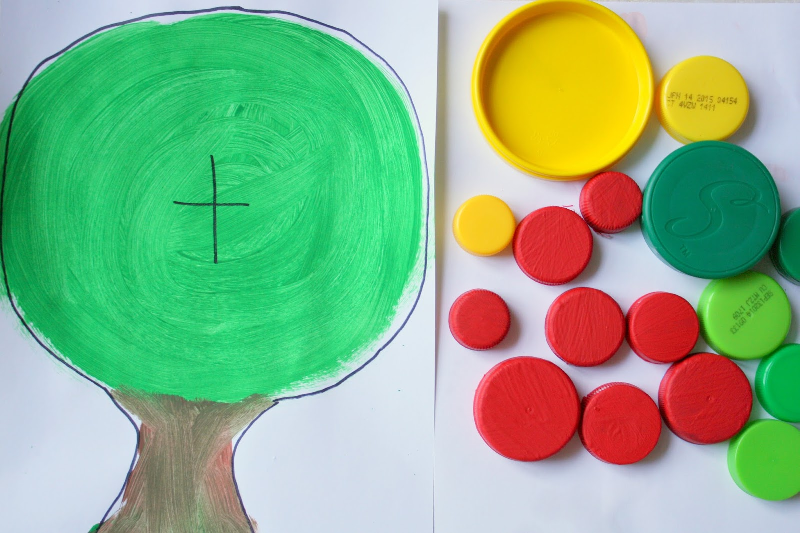 Super Cute apple tree preschool activity - adding with lids
