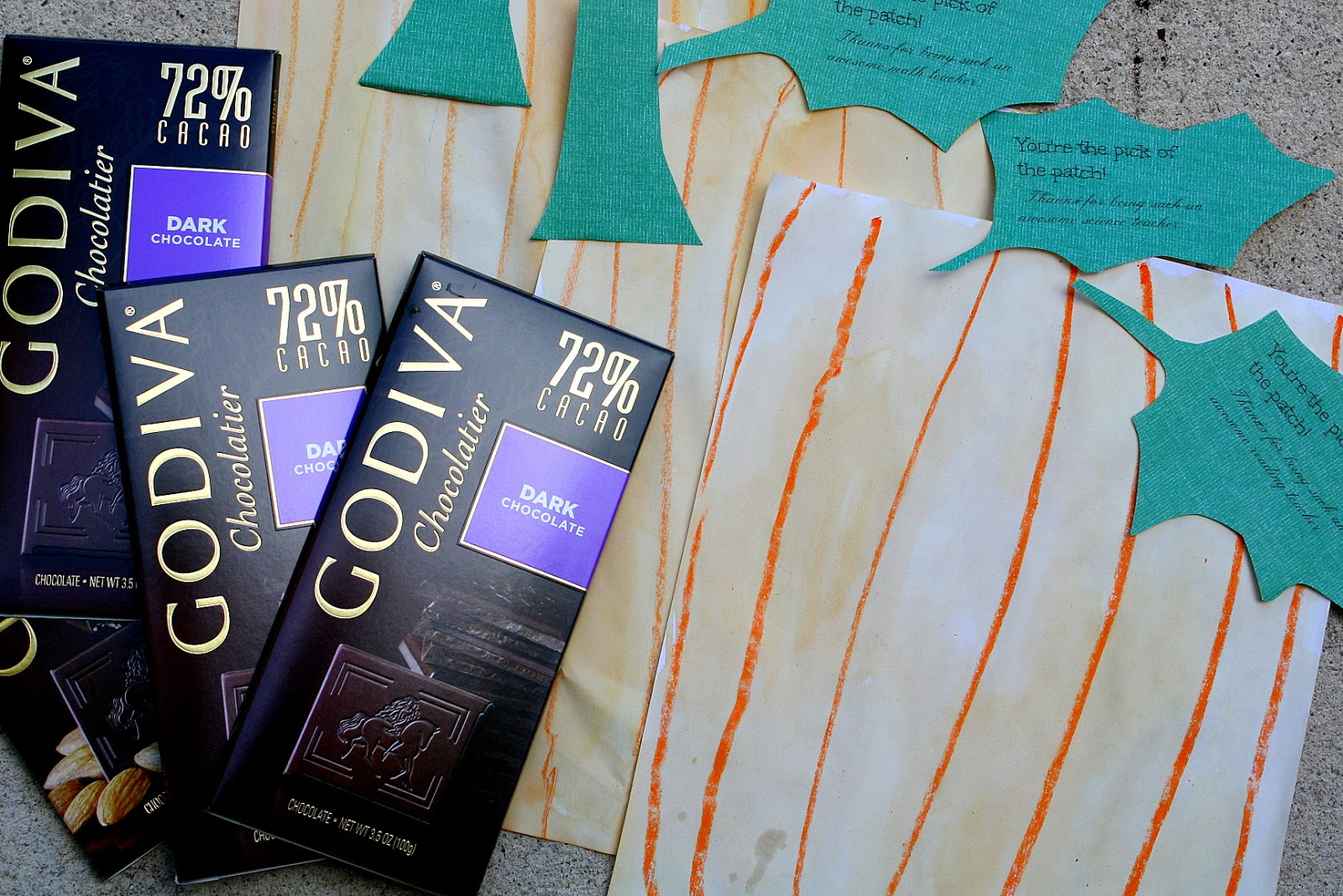 Godiva chocolate bars make a sweet homemade teacher gift tread