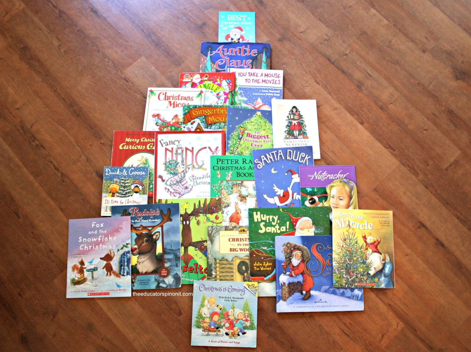Teaching Tally Charts with Holiday Books : Read, count and compare a math and literacy activity to do with kids this Christmas.