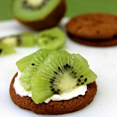 Kiwi Gingersnap Mini Tarts | Cooking with Kids