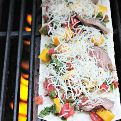 Steak and Mango Salsa Flatbread Recipe