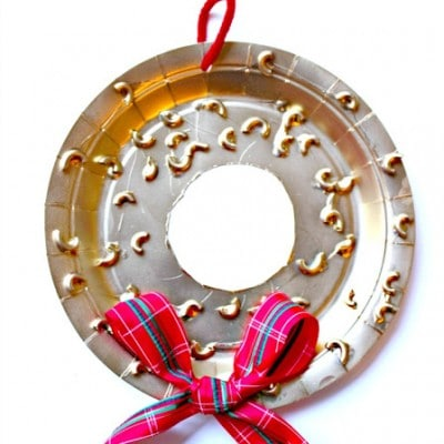 DIY Paper Plate Christmas Wreath