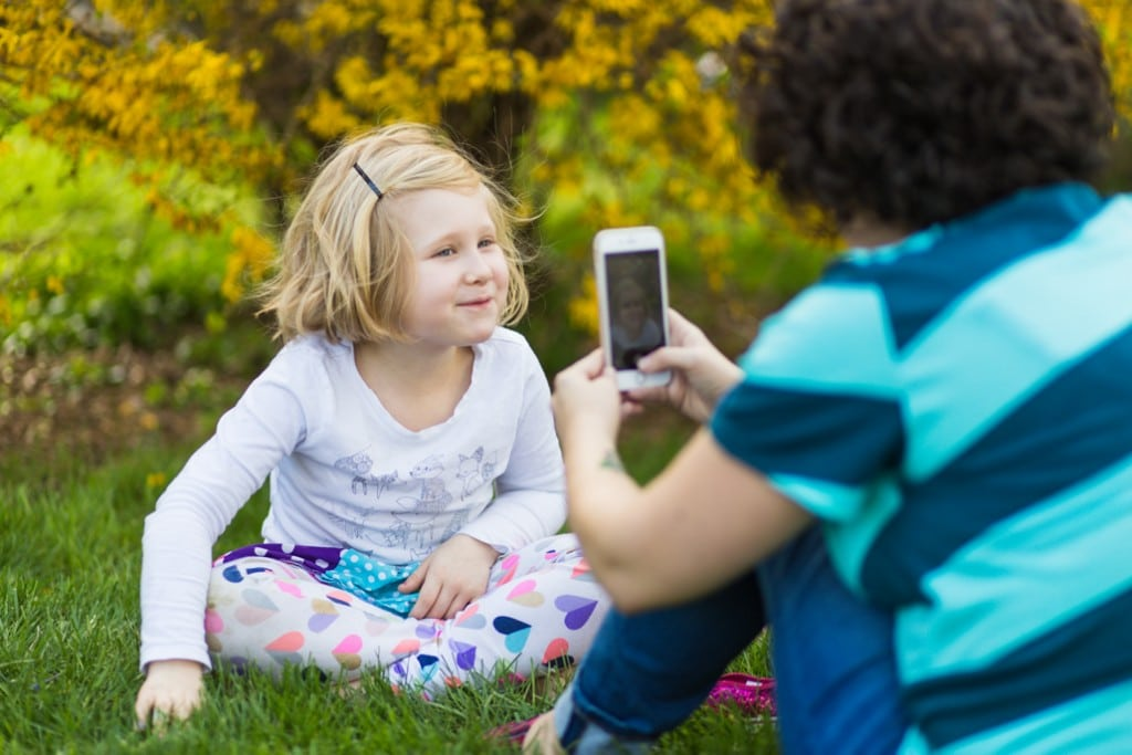 Using a Photo Game with Kids for STorytelling