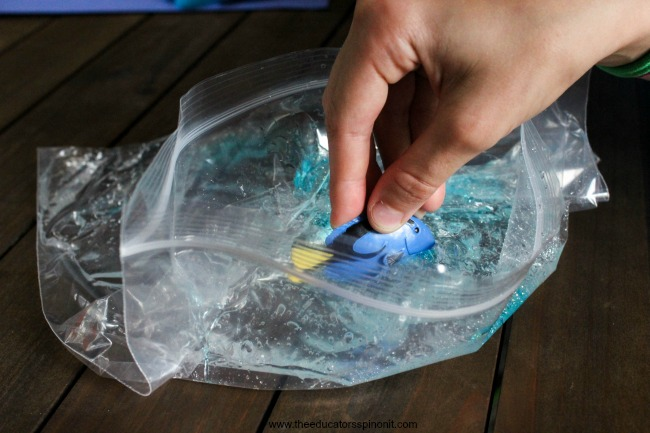 Finding Sight Words with Dory Sensory Bag (3 of 6)