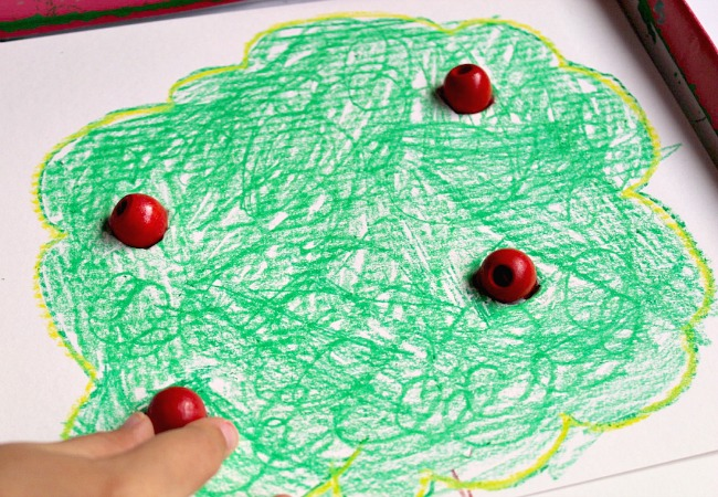 diy-fine-motor-apple-game-for-kids