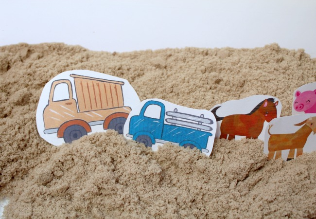 magnetic-farm-activity-with-sand-for-little-blue-truck