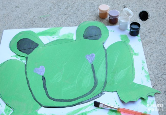 Frog Themed Toss Game for Preschoolers with Paint
